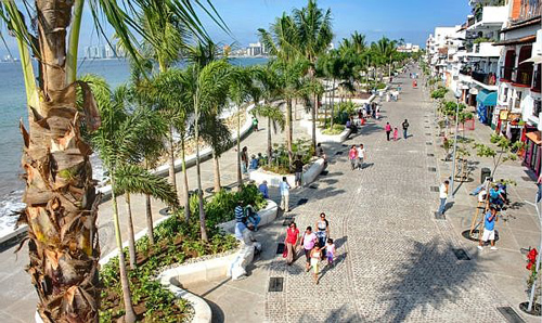 Stroll on the Malecon